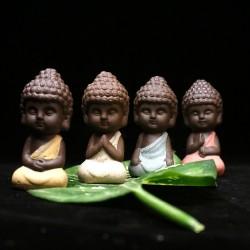 Kleine Boeddha - keramische standbeeld - monnik beeldje