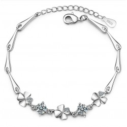 Elegant bracelet with four leaf clover & crystals - 925 sterling silver