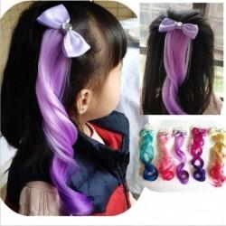 Strik met nephaar - kleurrijke pruik - haarclip