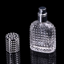 Refillable glass bottle for perfume with atomizer 30 ml - 50 ml