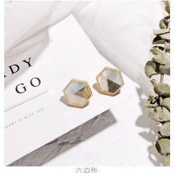 Geometric acrylic small stud earrings